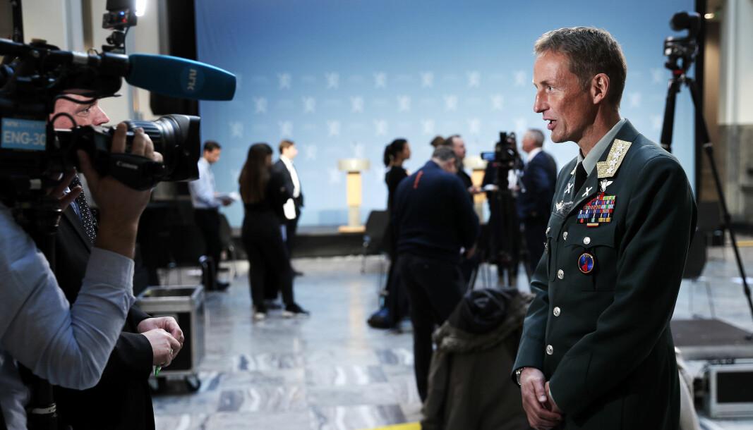 Fra felles pressekonferanse om den nye samfunnsikkerhetsmeldingen og langtidsplan for Forsvaret. Forsvarssjef Eirik Kristoffersen på pressekonferansen.