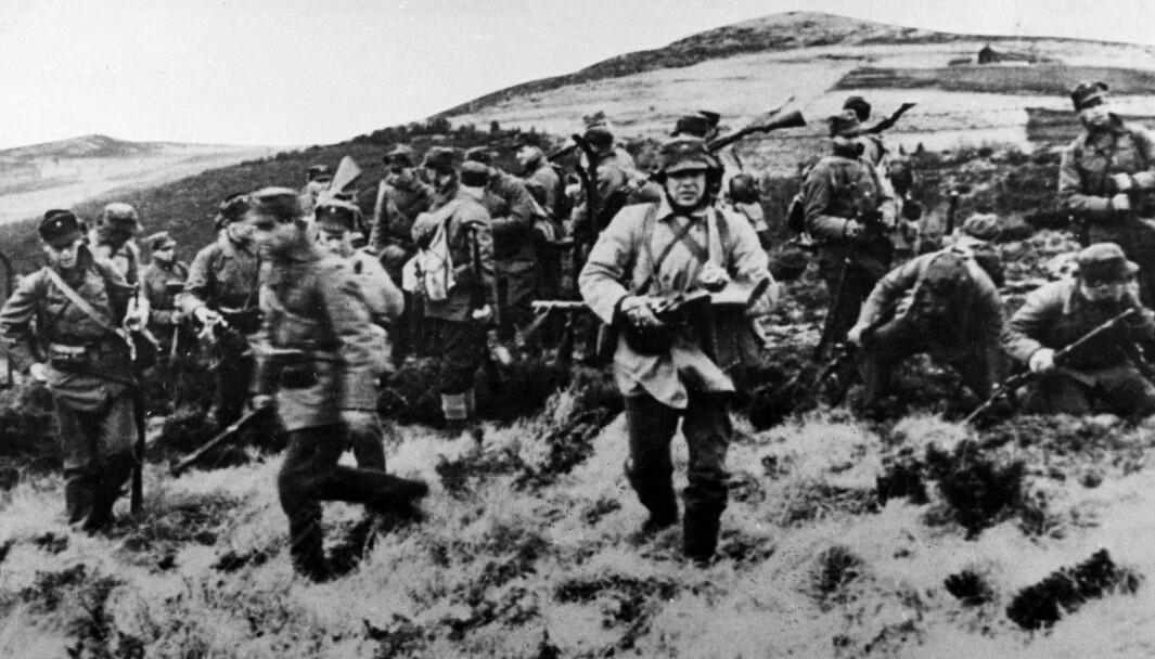 Norske soldater under framrykking under andre verdenskrig. Foto: NTB-krigsarkiv / SCANPIX