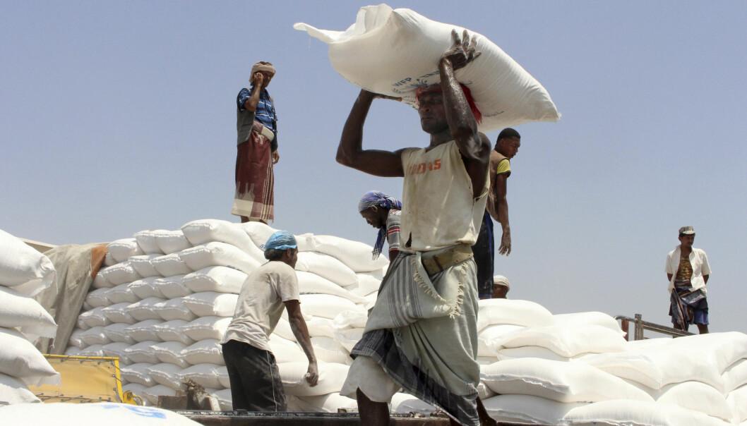 80 prosent av Jemens befolkning er avhengige av matvarehjelp utenfra, men FNs medlemsland har hittil i år bidratt med under halvparten av det som trengs for å hindre en omfattende sultkatastrofe i landet, advarte FNs nødhjelpssjef Mark Lowcock tidligere i måneden.