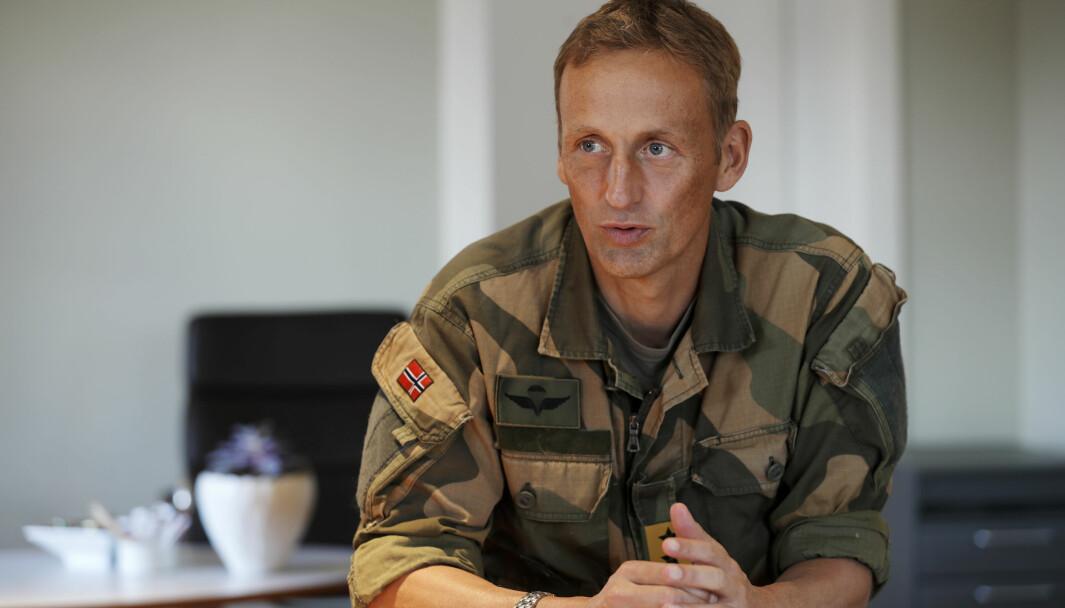 Forsvarssjef Eirik Kristoffersen på sitt kontor.