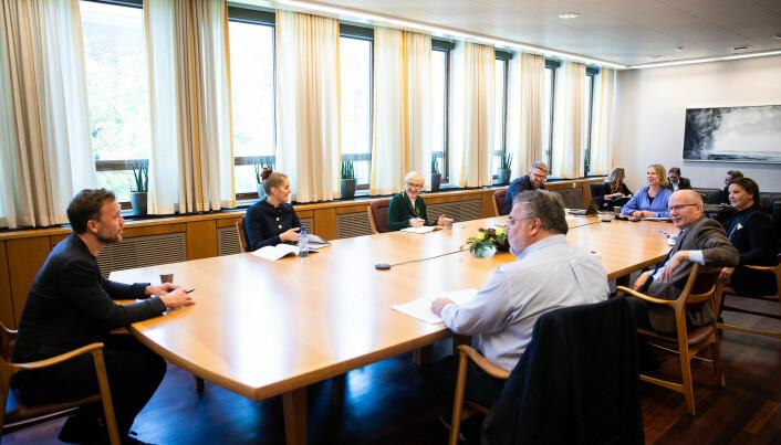 Den foreløpige fristen for forhandlingene i Stortinget er 17. november.