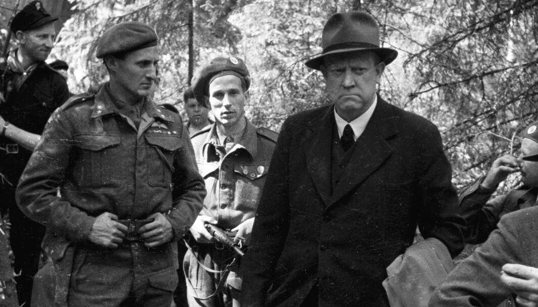 Vidkun Qusling ble hentet fra fengslet og tvunget til å se på utgravingene av massegravene på Trandumskogen i 1945.