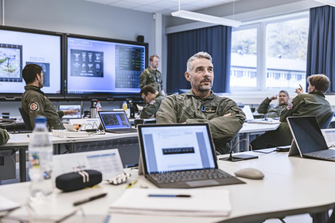 Utdanning av AW101-personnell. Asbjørn Singstad, pilote fra Ørland. Foto: Krister Sørbø, Forsvarets forum