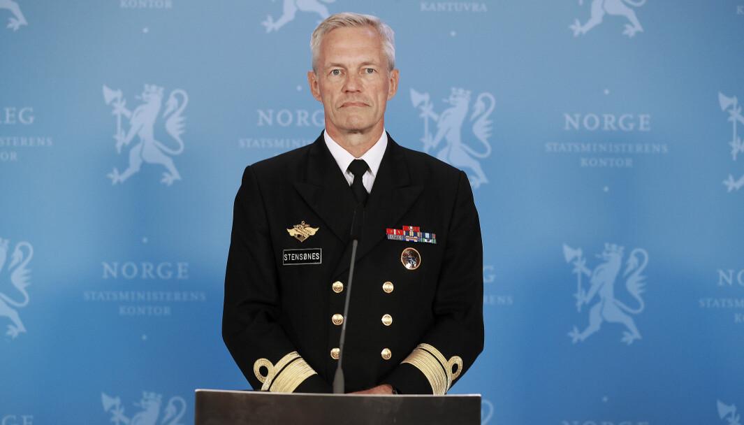 Kontreadmiral Nils Andreas Stensønes tar idag over jobben som sjef for Etterretningstjenesten.