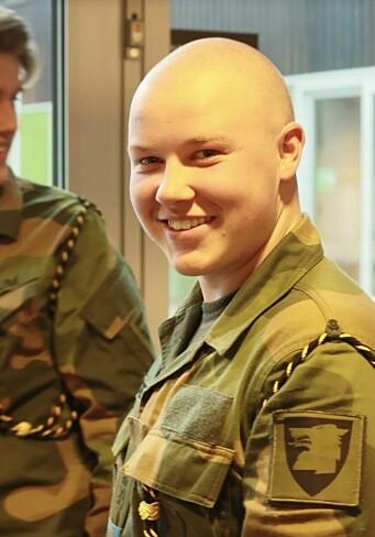 Bjørnar Aanonsen skulle ta håret med barberhøvel dersom summen nådde 35.000 kroner.