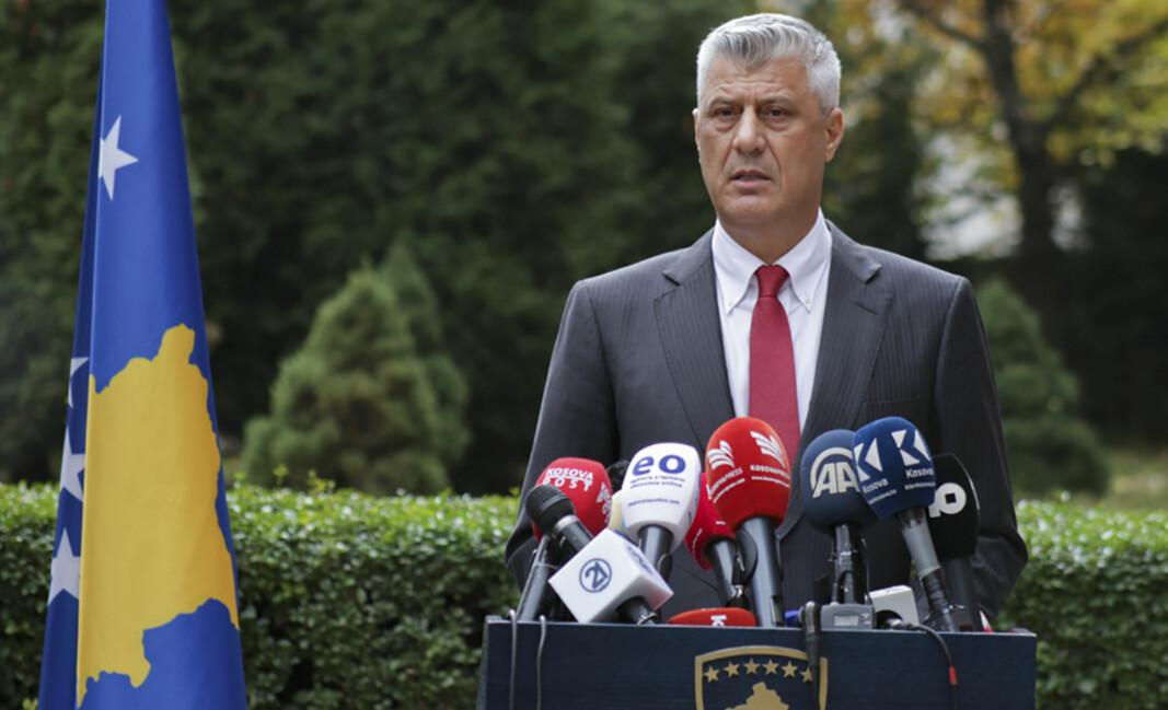 TILTALT: President Hashim Thaci erklærte torsdag at han går av.