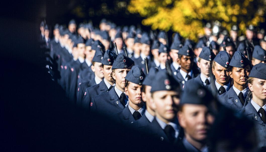 TILTAK: Det er behov for nye tiltak for å forhindre mobbing og trakassering, skriver forsvarssjef Eirik Kristoffersen og forsvarsminister Frank Bakke-Jensen. Her ser vi soldater på Akershus festning.