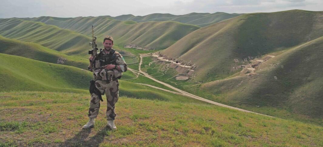 Kenneth Bjerkelund er tidligere marinejeger. Han har blant annet vært med på dramatiske situasjoner i Afghanistan.