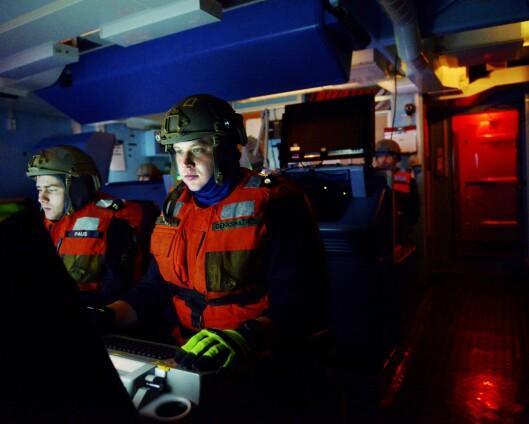 Glenn Dåbu leter etter miner i Østersjøen