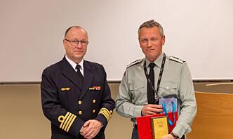 Egil Haave takket av med Heimevernets fortjenesteplakett i gull