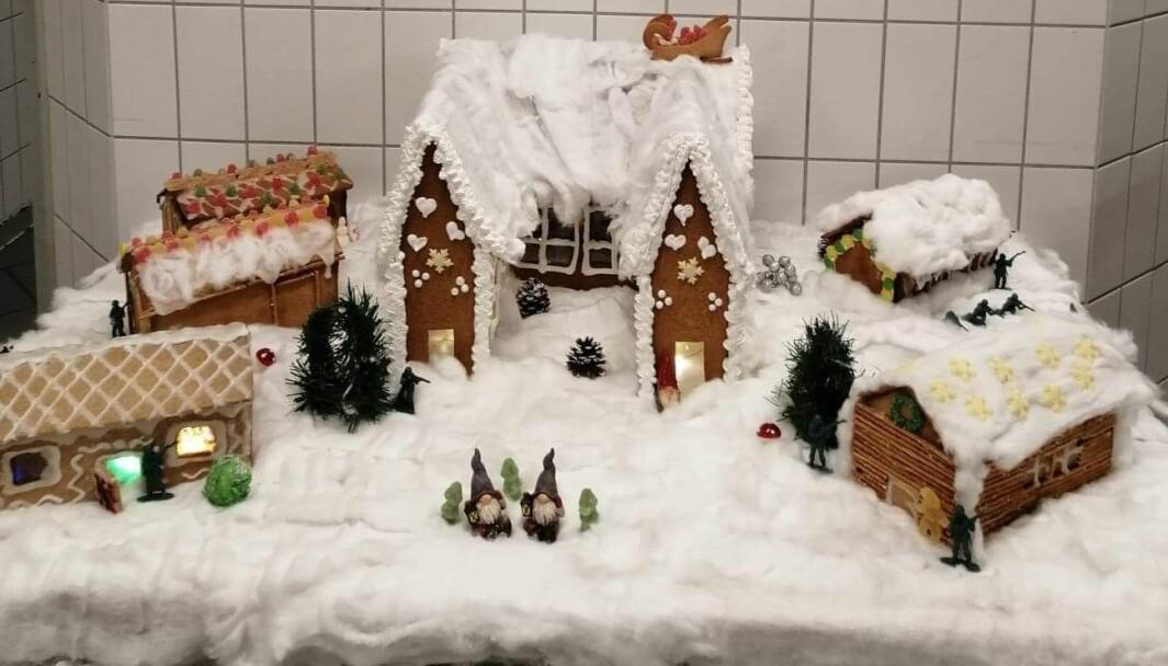Årets pepperkake-leir som står i messa på Terningmoen.