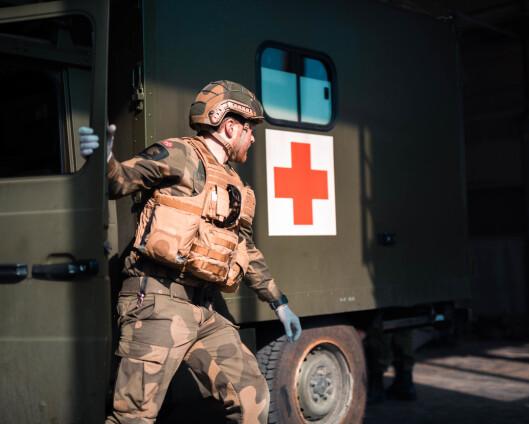 Tre personer med ansvar for sanitet er åpenbart en meget liten ressurs, mener Forsvarets sanitet