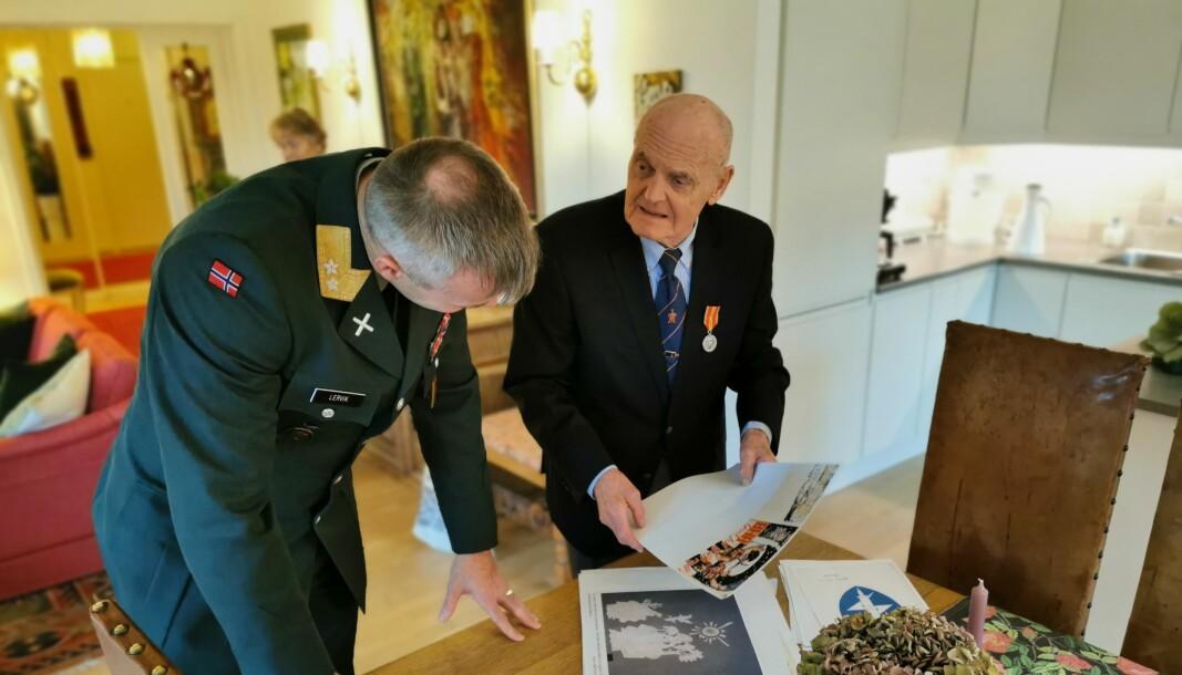 Generalmajor Lars S. Lervik hjemme hos Thorbjørn Bergersen på Eiksmarka.