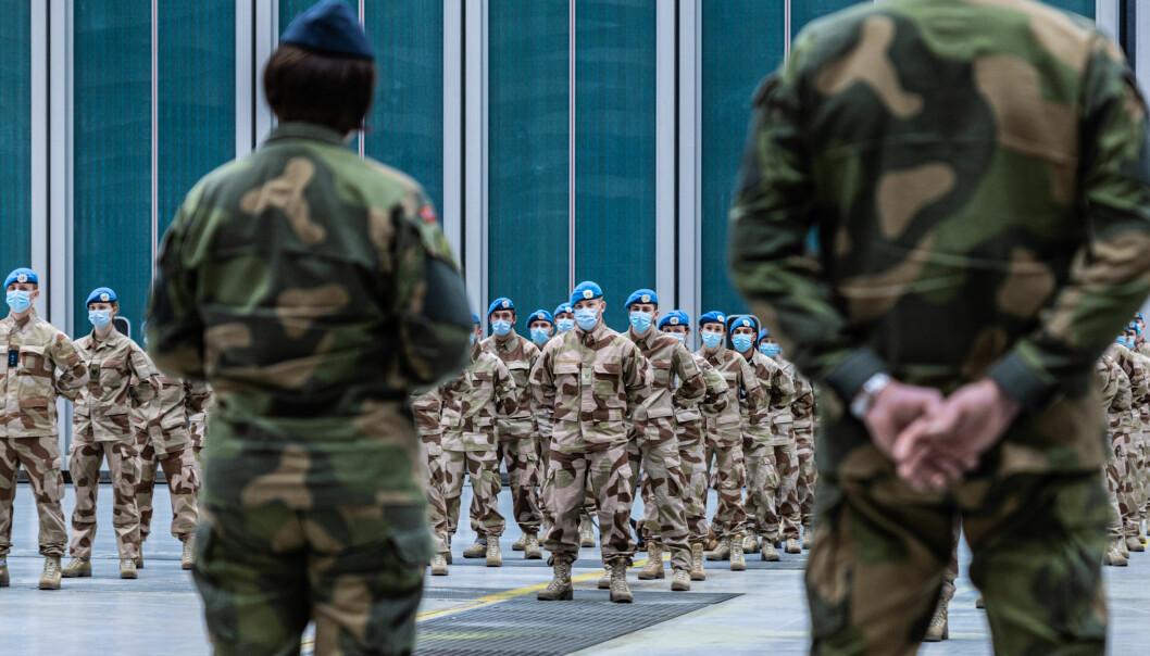 En økning i antall tjenestegjørende er nødvendig for å gjennomføre Forsvarets operasjoner ute og hjemme til daglig, skriver Jørn Buø. Her ser vi norske soldater på vei til FN-oppdraget i Mali.