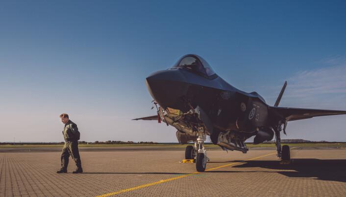 F-35: Sjef for 332-skvadron Tron Strand med F-35 på Ørland flystasjon. Anskaffelsen av kampfly fullføres frem mot 2028.