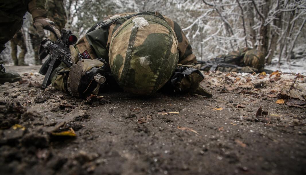 En soldat fra 5. gardekompani under gardens lueløp.