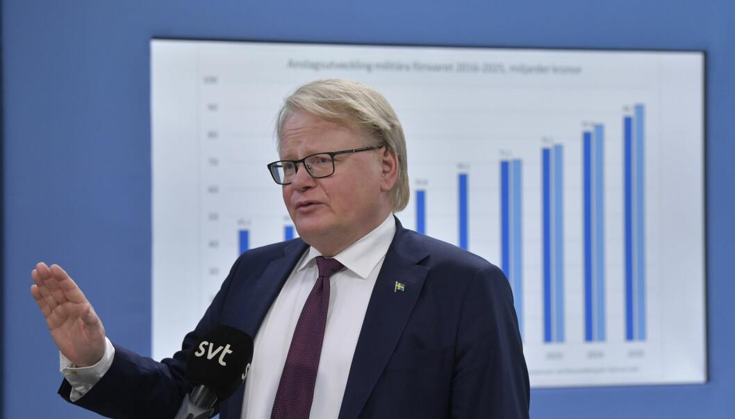 Flertallet for en svensk Nato-opsjon preget debatten i Riksdagen mandag.