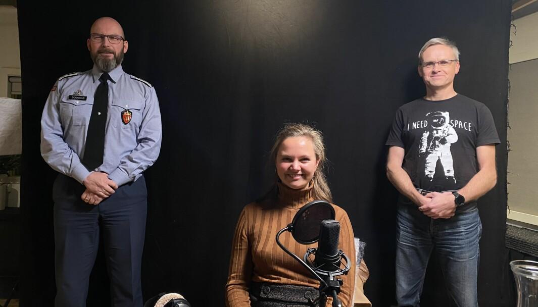 Journalist Andrea Rognstrand (i midten), med John-Arild Bodding (t.v.) og Kjetil Michaelsen (t.h.).