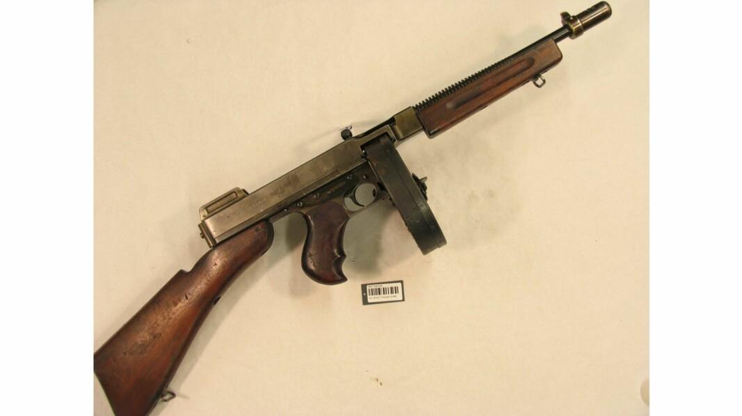 En Thompson-maskinpistol som tilhørte Gunnar Sønsteby har vært savnet i 40 år. Bildet er av samme våpentype, men er ikke samme våpen som ble stjålet.