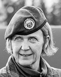 Demonstrasjon av sjef Heimevernet, generalmajor Elisabeth Michelsen, hvor hun sendte måldata til F-35.