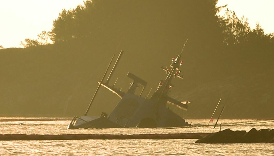 Den havarerte fregatten KNM Helge Ingstad ved Øygarden i Hordaland.
