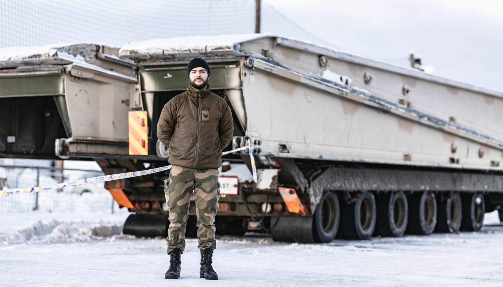 Selmer forteller at soldatene får god oppfølging av Forsvaret.