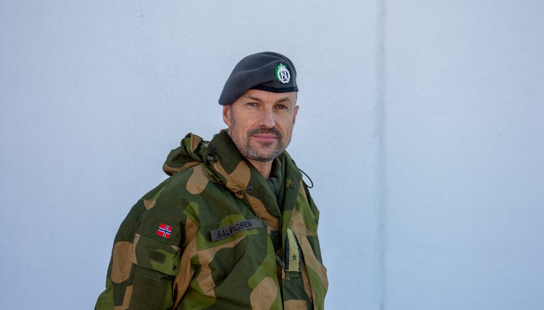 Heimevernets feltprest, Terje Salvigsen, er tilstede for personellet på Gjerdrum.