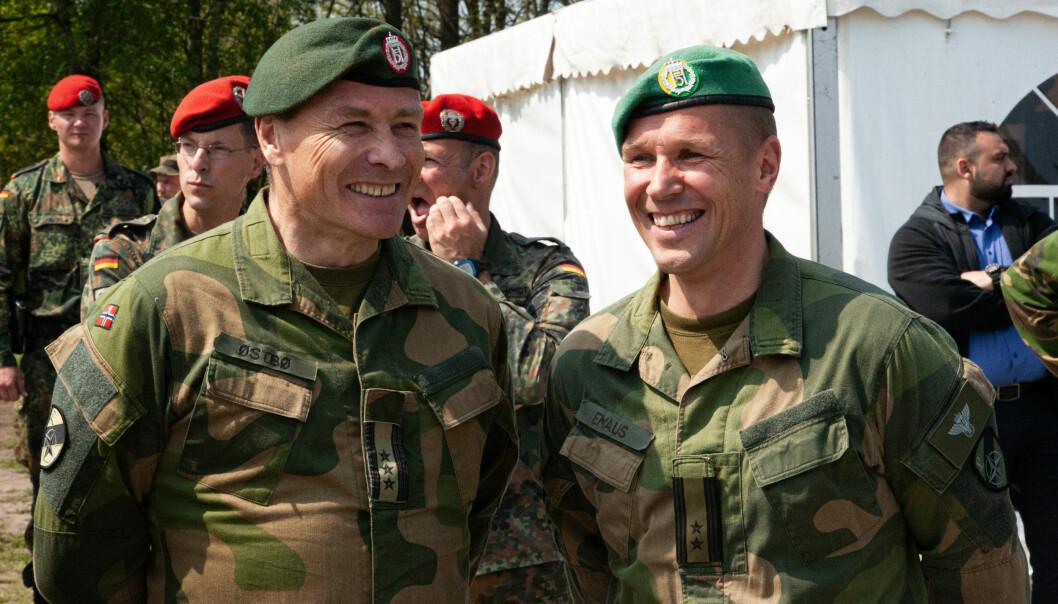 Oberst Jan Østbø og Oberstløytnant Ole Christian Emaus i Tyskland i 2019 under demonstrasjon av Nato's Very Hight Readiness Task Force.