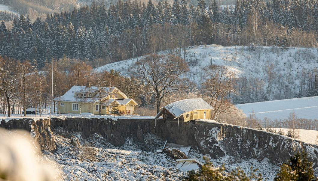 Et hus på kanten av leirskredet i Gjerdrum.