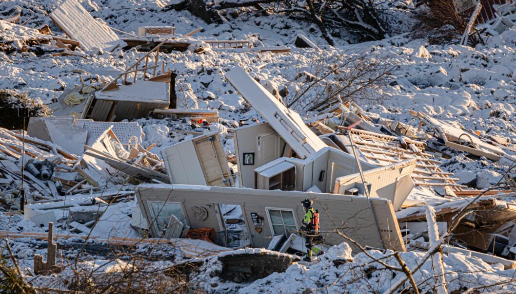 Analytikerne jobbet blant annet med å lokalisere bygninger som var blitt tatt av skredet.
