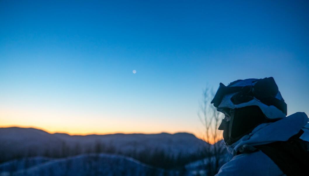 Soldat på øvelse i Indre Troms i vinter. Flere respondenter i BFOs undersøkelse beskriver utfordrende boforhold i Nord-Norge.