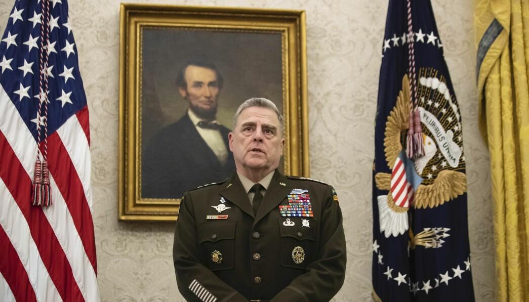 FORDØMMER: Forsvarssjef Mark Milley minner alle USAs soldater om at grunnloven må følges.