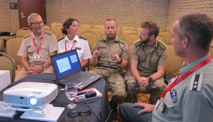 Herser vi medlemmer i Nordisk Militærmedicinsk Forum (NMF) . Fra venstre Lasse Braathen, Caroline Wetterberg, Christopher Clemmesen, Anders Skovsen og Johan Storm Munch.