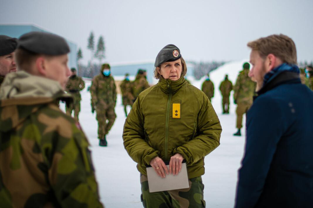 Generalmajor Elisabeth Michelsen under avtakking av HV-02 etter oppdraget på Gjerdrum.