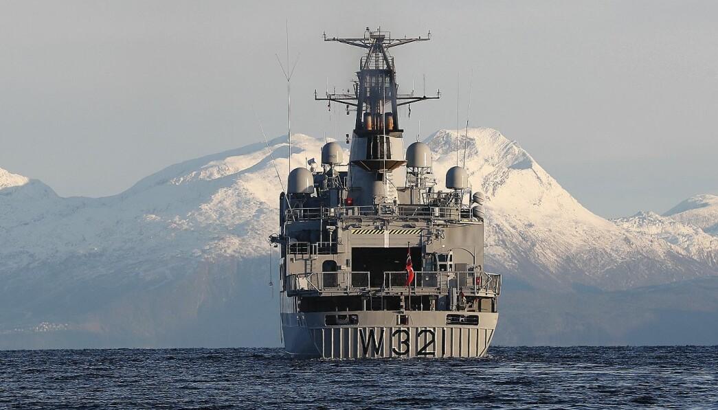 Det er flere i Kystvakten som har ulovlige kontrakter, skriver Espen Skare. Her ser vi kystvaktskipet KV Senja utenfor kysten av Troms og Finnmark.
