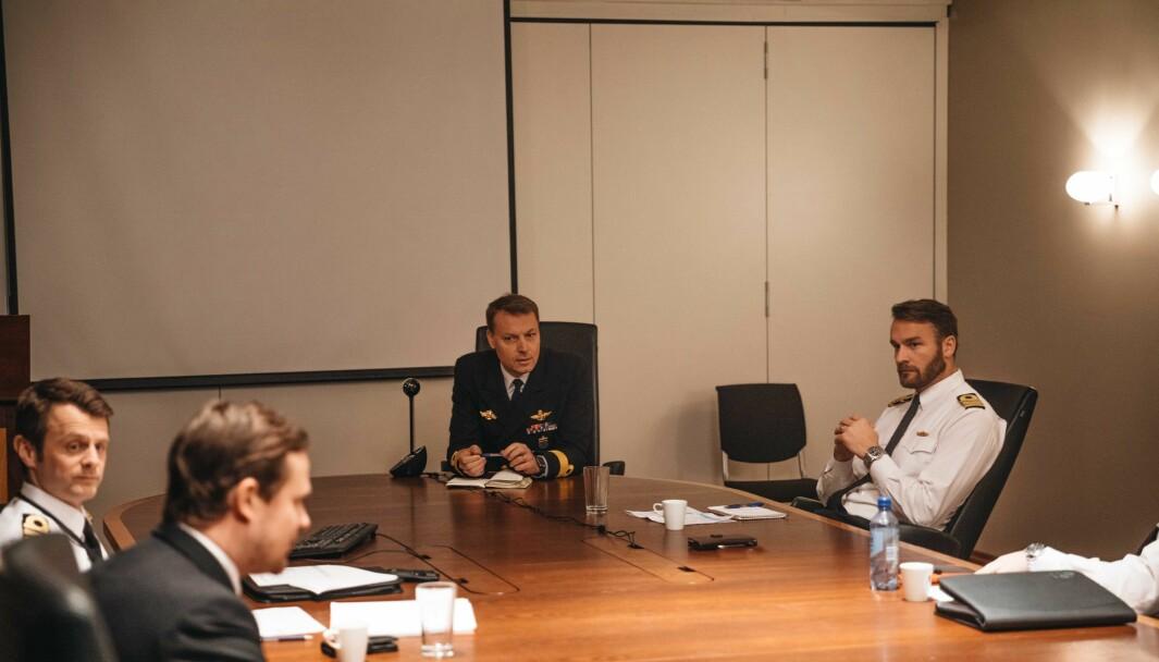 Sjef for Marinen, Trond Gimmingsrud, i midten og leder for kurset, Øystein Valland, til venstre.