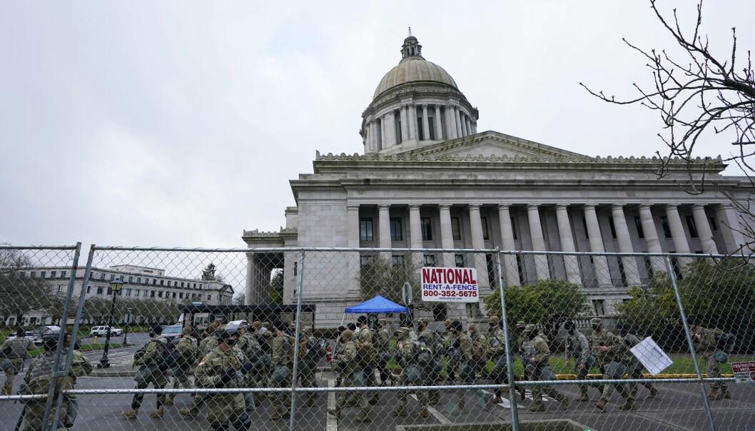 Soldater fra nasjonalgarden på plass i Washington før innsettelsen 20. januar.