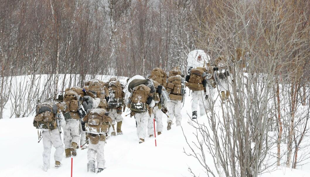 ØVELSE: Vi må evne å forsvare Norges suverenitet selv når forholdene ikke er optimale, skriver forsvarsminister Frank Bakke-Jensen. Her ser vi soldater fra US Marine Corps under øvelsen Cold Response 2020