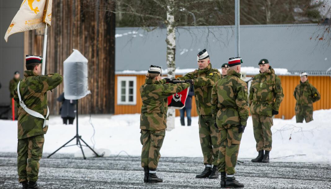 6. Gardekompani blir overført til Hærens rekrutt og fagskole som en del av en felles rekruttutdanning for Hæren.