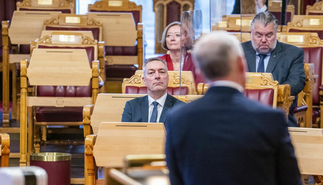 Forsvarsministeren sprer faktafeil om «temperaturmålingen» til BFO, skriver Jens B. Jahren. Her er er Frank Bakke-Jensen på Stortinget.
