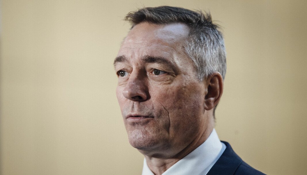 VIL FORHANDLE: Forsvarsminister Frank Bakke-Jensen har sittet i Nato-møter i to dager.