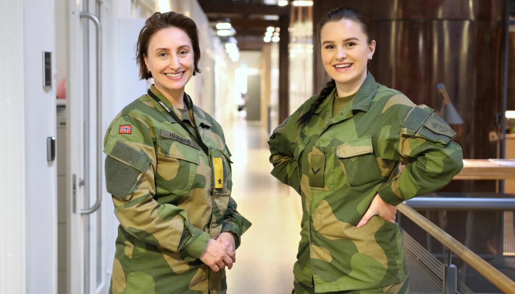 Sjef Forsvarets personell- og vernepliktssenter brigader Gunn Elisabeth Håbjørg og visekorporal og lærling Erica Eide (19).