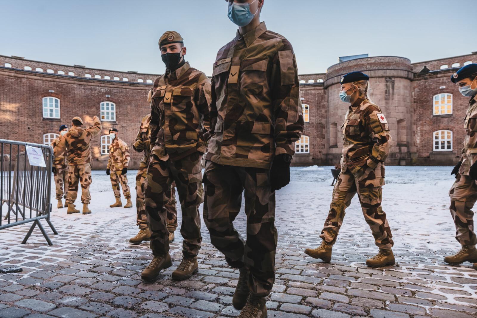 AVREISE: mandag 1. februar reiser soldatene fra Drøbak til Gardermoen hvor flyet tar de videre mot Irak.