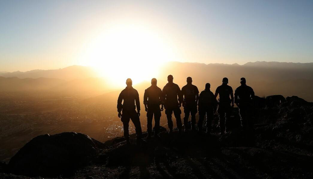 Det er bedre å spørre en gang for mye enn en gang for lite om hvordan folk har det, skriver Gunn Elisabeth Håbjørg. Her ser vi norske soldater i Afghanistan