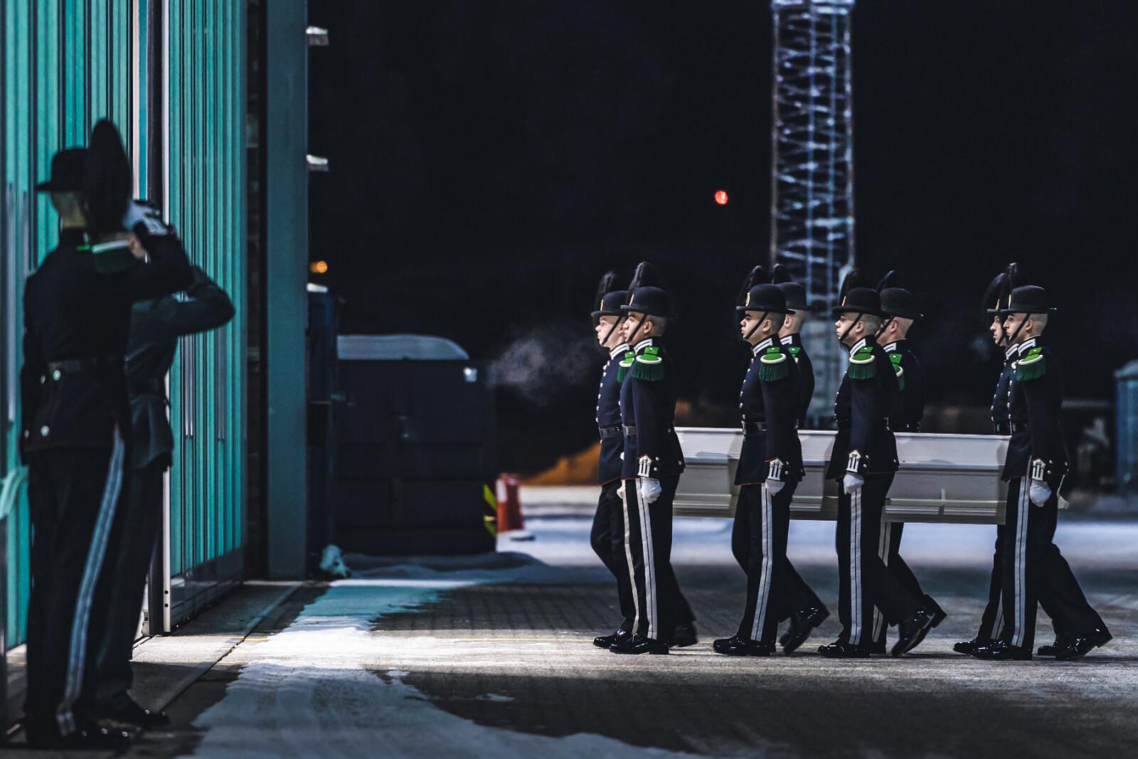 På Gardermoen flystasjon ble det avholdt en seremoni med de pårørende.