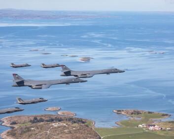 Bombefly på Ørland: Vil heller balansere hårfint feil overfor Russland enn allierte