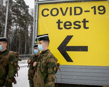 Hæren skal fortsette å koronateste på Svinesund to uker til