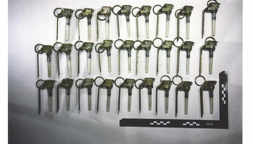 Beslaglagte tennmekanismer avbildet av politiet.