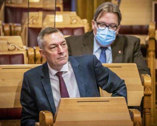 Sivilombudsmannen kritiserer hemmelighold av forsvarsministerens navn på søkerliste