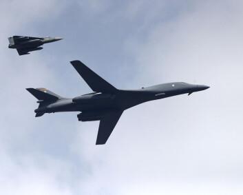 Russland «bekymret» over amerikanske bombefly på norsk jord